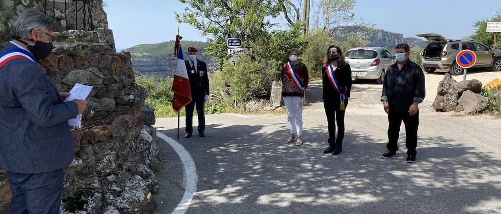 Evenos ceremonie 8 mai